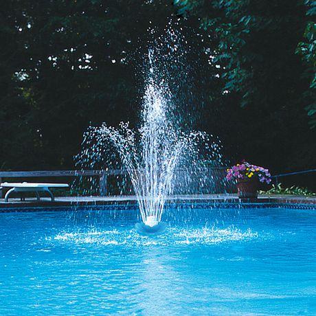Swimline fontaine flottante blossom trois tages pour for Fontaine de piscine