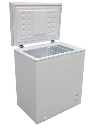 Arctic King 5 0 Cu Ft Chest Freezer Walmart Ca