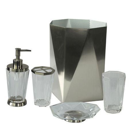 Home trends metal waste basket for Basket bathroom accessories