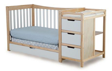 lit de b b transformable avec table langer remi de graco. Black Bedroom Furniture Sets. Home Design Ideas