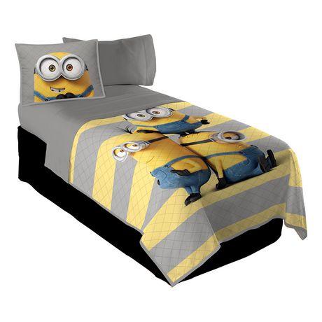ensemble courtepointe et couvre oreiller minions je suis avec minion pour lit jumeau pleine. Black Bedroom Furniture Sets. Home Design Ideas