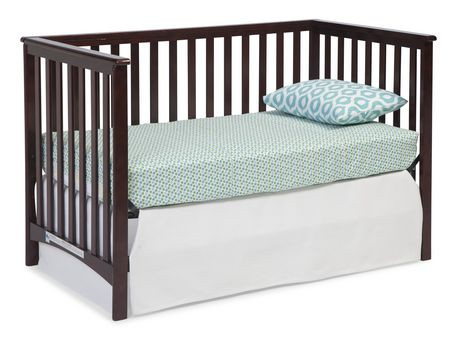 Stork Craft Hillcrest Fixed Side  In  Convertible Crib