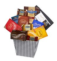 Panier cadeau dépendance du chocolat Baskets by On Occasion