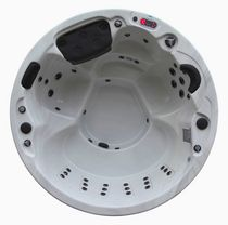 Canadian Spa Ottawa 5-Person 38 Jet Spa Circular Hot Tub