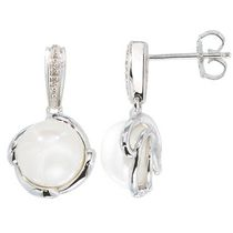 Simply Pearl Collection-Sterling Silver Earring with 9MM Cultured Freshwater Pearl and diamond .018ct