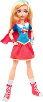 Poupée articulée Supergirl de 12 po de DC Super Hero Girls