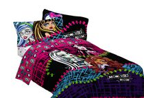 "Mattel Monster High ""All Ghouls Allowed"" Twin/Full Comforter"