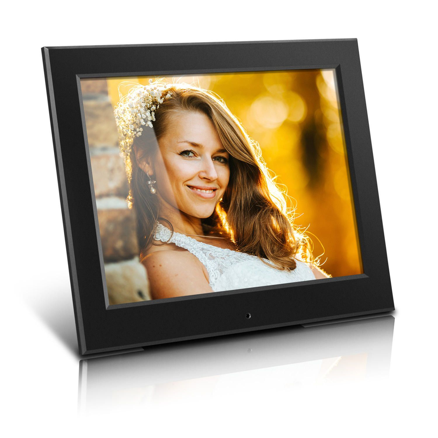 3073c8d49337 Aluratek 8 Inch Slim Digital Photo Frame with Auto Slideshow Feature -  image 1 of 2 zoomed image