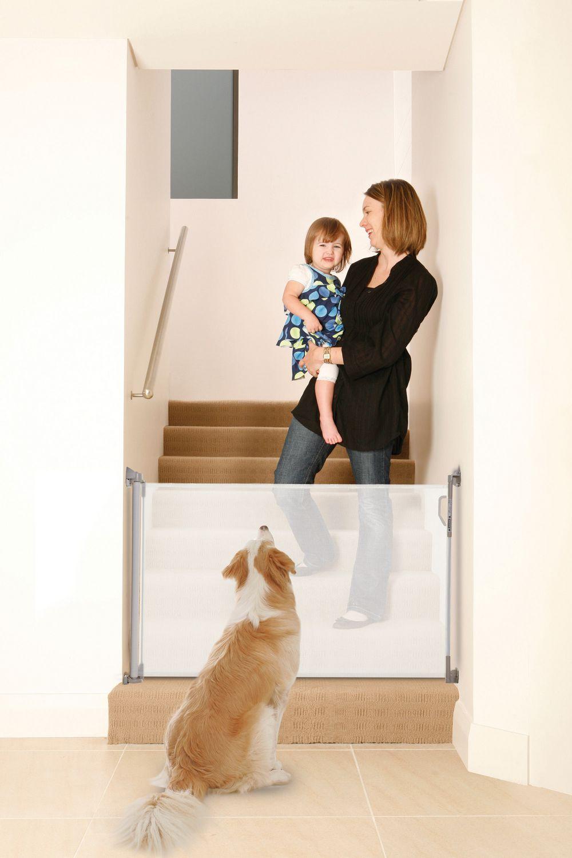 dreambaby indooroutdoor white retractable baby gate  walmartca -