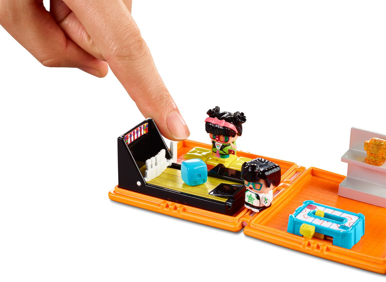 My Mini MixieQs Neon Arcade Playset w// Mystery Figure /& Accessories