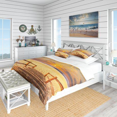 Designart Brown Wooden Boardwalk into Beach Coastal Duvet Cover Set - image 1 de 1