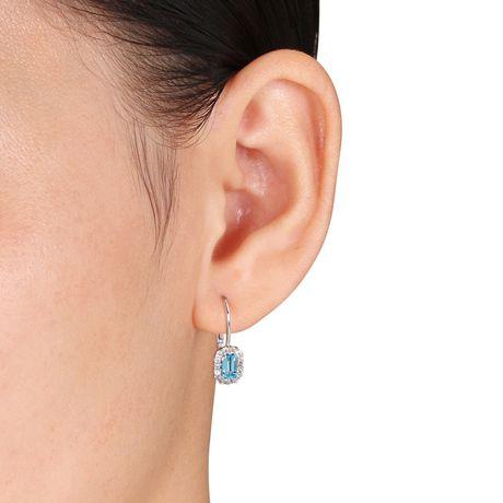 Boucles d'oreille de forme auréole Tangelo avec topazes bleu-suisse et saphirs blancs 1 CT PBT en or blanc 10K - image 3 de 4