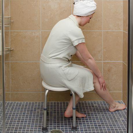 Tabouret de douche compact et léger HealthSmart - image 2 de 5