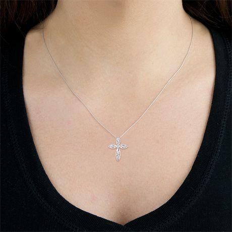 Pendentif croix diamant 0,01 carats poids total en argent sterling avec chaîne de 18 po. - image 2 de 3