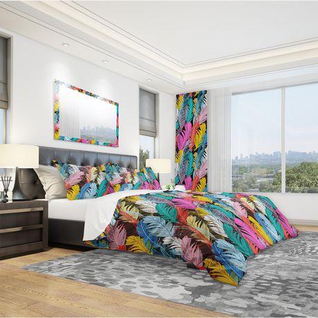 Designart Graphic Pattern Multicolored Feathers Southwestern Duvet Cover Set - image 1 de 1
