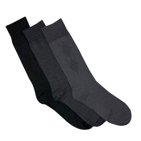 3-pack of black crew socks from Gildan