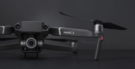 Quadricoptère Mavic 2 Zoom de DJI avec caméra et manette - image 2 de 4