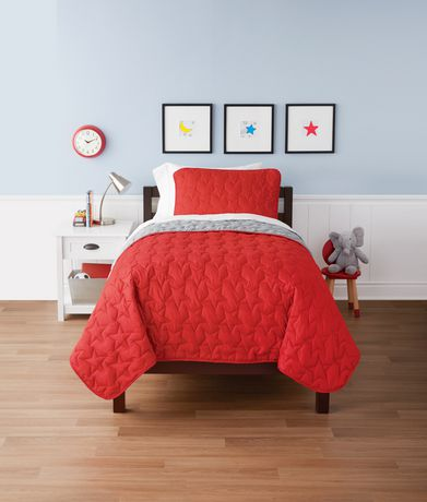 Mainstays Kids Red Star Reversible Quilt Set - image 1 of 1