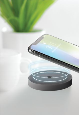 Rapid Wireless Charging Station by 100 Percent - image 2 of 3