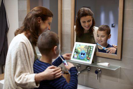 Philips Sonicare Brosse à dents sonique électrique pour enfants avec BluetoothMD intégré - HX6321/02 - image 2 de 4