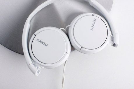SONY MDRZX110AP On-Ear Headphones with In-Line Mic And Control - image 4 of 6