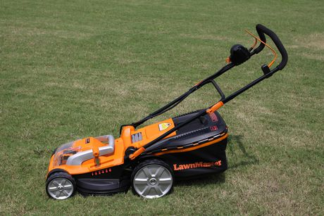 Lawnmaster 16 Quot Cordless Lawn Mower Walmart Canada