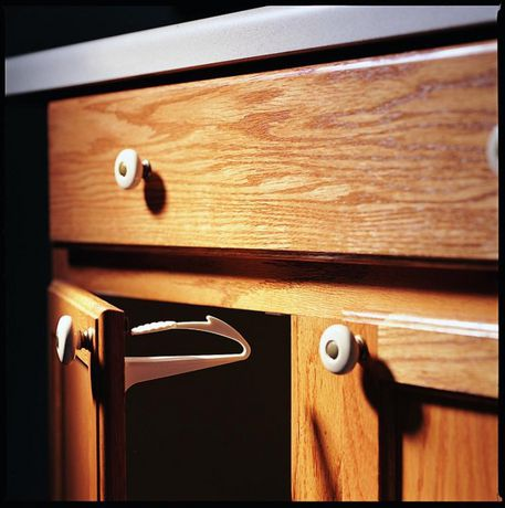 Verrou d'armoire/de tiroir adhérent de KidCoMD - image 3 de 3