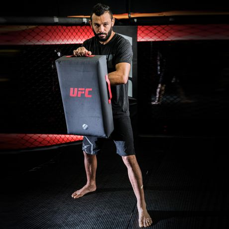 Strike Shield Kicking UFC - image 2 de 5