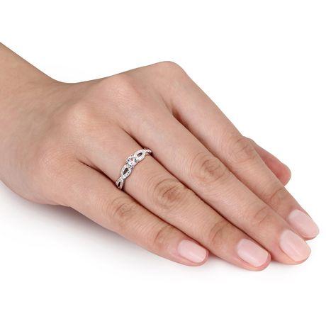 Bague de fiançailles Miabella avec 0.25 Carat de saphir blanc synthétique et 0.10 Carat d'accents de diamant en argent sterling - image 4 de 5
