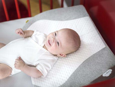 coussin cale pour lit de b b cozymat de babymoov en gris walmart canada. Black Bedroom Furniture Sets. Home Design Ideas