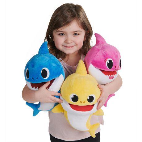 Pinkfong Baby Shark - Marionnettes musicales à vitesse contrôlée - Daddy Shark - Peluche préscolaire interactive - par WowWee - image 4 de 5