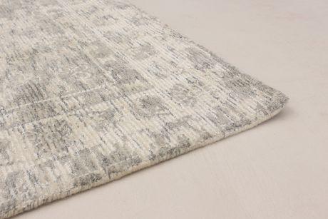 "Hand loomed Galleria Grey Silk Rug 5'0"" x 8'0"" - image 2 of 6"