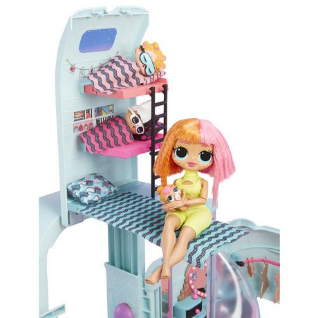 L.O.L. Surprise! 2-in-1 Glamper Fashion Camper with 55+ Surprises including Exclusive Doll - image 4 of 9