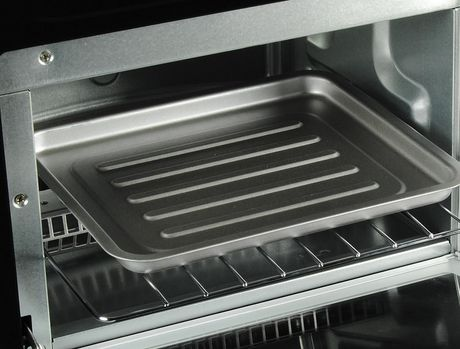 Total Chef 4-Slice Toaster Oven with Timer and Temperature Control (1,000 Watts) - image 3 of 5