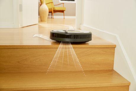 iRobot Roomba 620 Vacuuming Robot - image 6 of 6