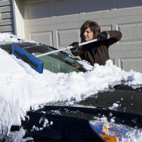 Snow Joe Telescoping Snow Broom With Ice Scraper Sjblzd