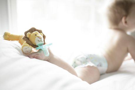 Suce pour enfants Lionceau de WubbaNub - image 4 de 4