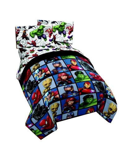 Avengers 4pc Twin Bed Set and Bonus Tote. - image 1 of 1