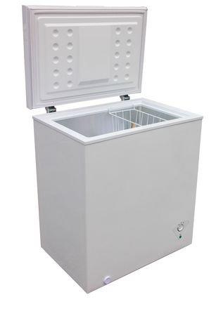 Arctic King 5 0 Cu Ft Chest Freezer Walmart Canada