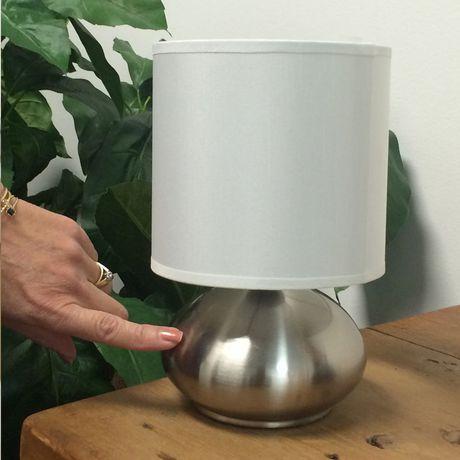 Lampe de table avec abat-jour en fausse soie blanche et base métal nickel brossé (ensemble de 2), Cresswell - image 5 de 9