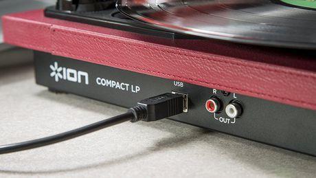 ION Audio Compact LP | Plate-forme de conversion USB à 3 vitesses à économie d'espace - image 2 de 6