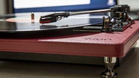 ION Audio Compact LP | Plate-forme de conversion USB à 3 vitesses à économie d'espace - image 5 de 6