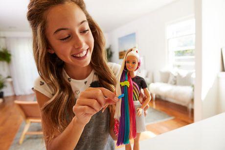 Barbie chevelure scintillante arc-en-ciel - image 3 de 9