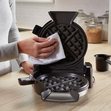 Oster Vertical Waffle Maker - image 6 of 7
