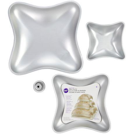 Ensemble de moules pour 3 gâteaux étagés forme de coussin Performance PansMC de Wilton - image 2 de 2