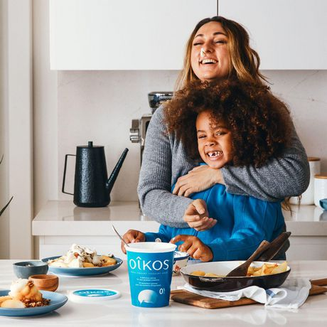 OIKOS Greek Yogurt, Strawberry Flavour, 2% M.F., 100g (Pack of 4) - image 4 of 6