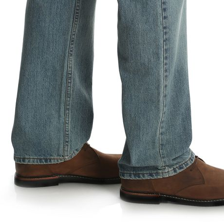 Wrangler Men's Straight Fit Jean - image 6 of 6