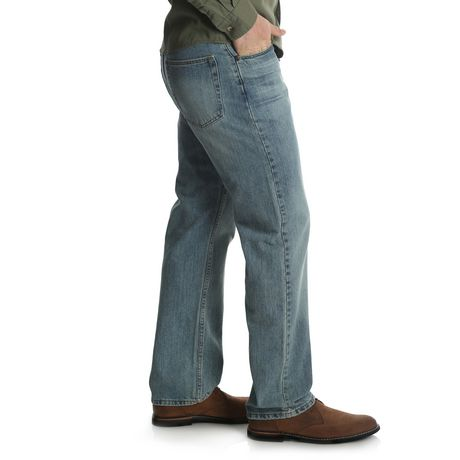 Wrangler Men's Straight Fit Jean - image 2 of 6