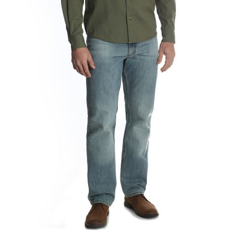 Wrangler Men's Straight Fit Jean - image 1 of 6