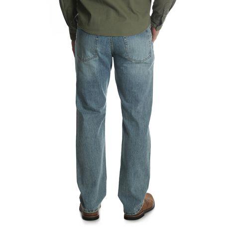 Wrangler Men's Straight Fit Jean - image 3 of 6